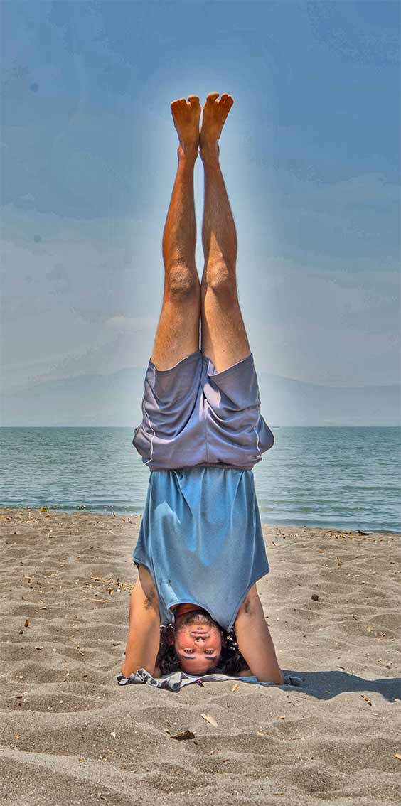Shanti Yoga School - 200 Hour Yoga Teacher Training - Tristan Headstand on Om Beach Gokarna India